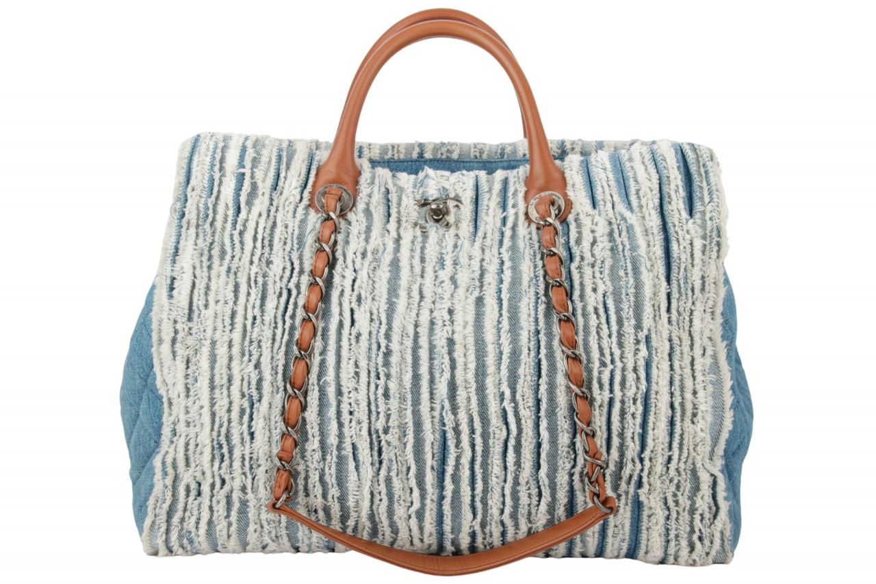 Chanel Shopper Denim Bleu
