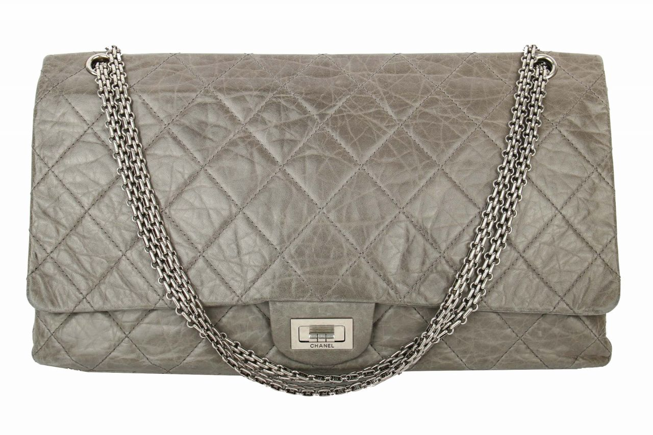 Chanel 2.55 Double Flap Maxi Grau