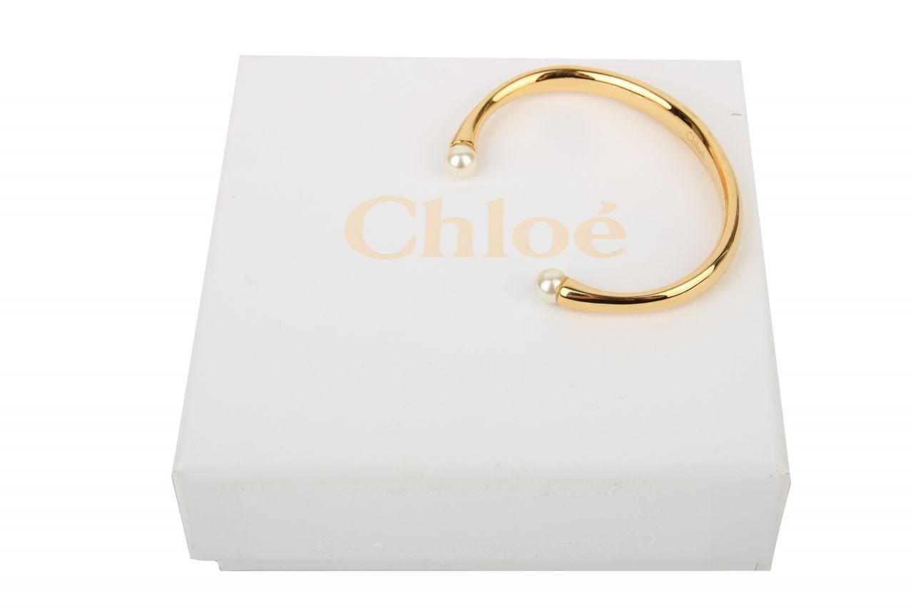 Chloé Darcey Manchetten Armreif mit Swarovski Perlen