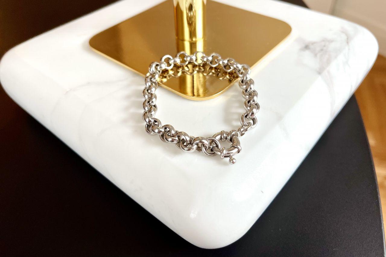Schmales Erbsarmband Silber mit dekorativem Federring